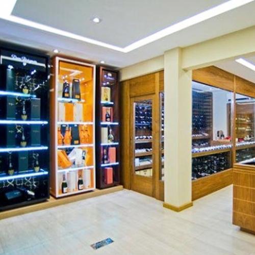 Grande variedade de vinhos e presentes